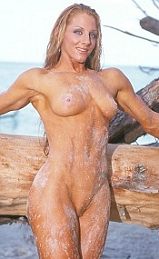 Muscle women on beach naked — 1